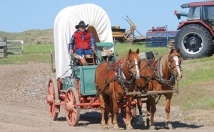 The Ingomar Wagon Train - Jack Hinnaland & His Team